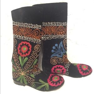 Shoes - Gorgeous Floral Embroidered Mid Calf Boot 7